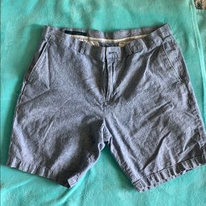 Men's Perry Ellis shorts size 34